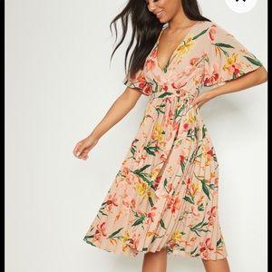 NWT Prettylittlething midi dress